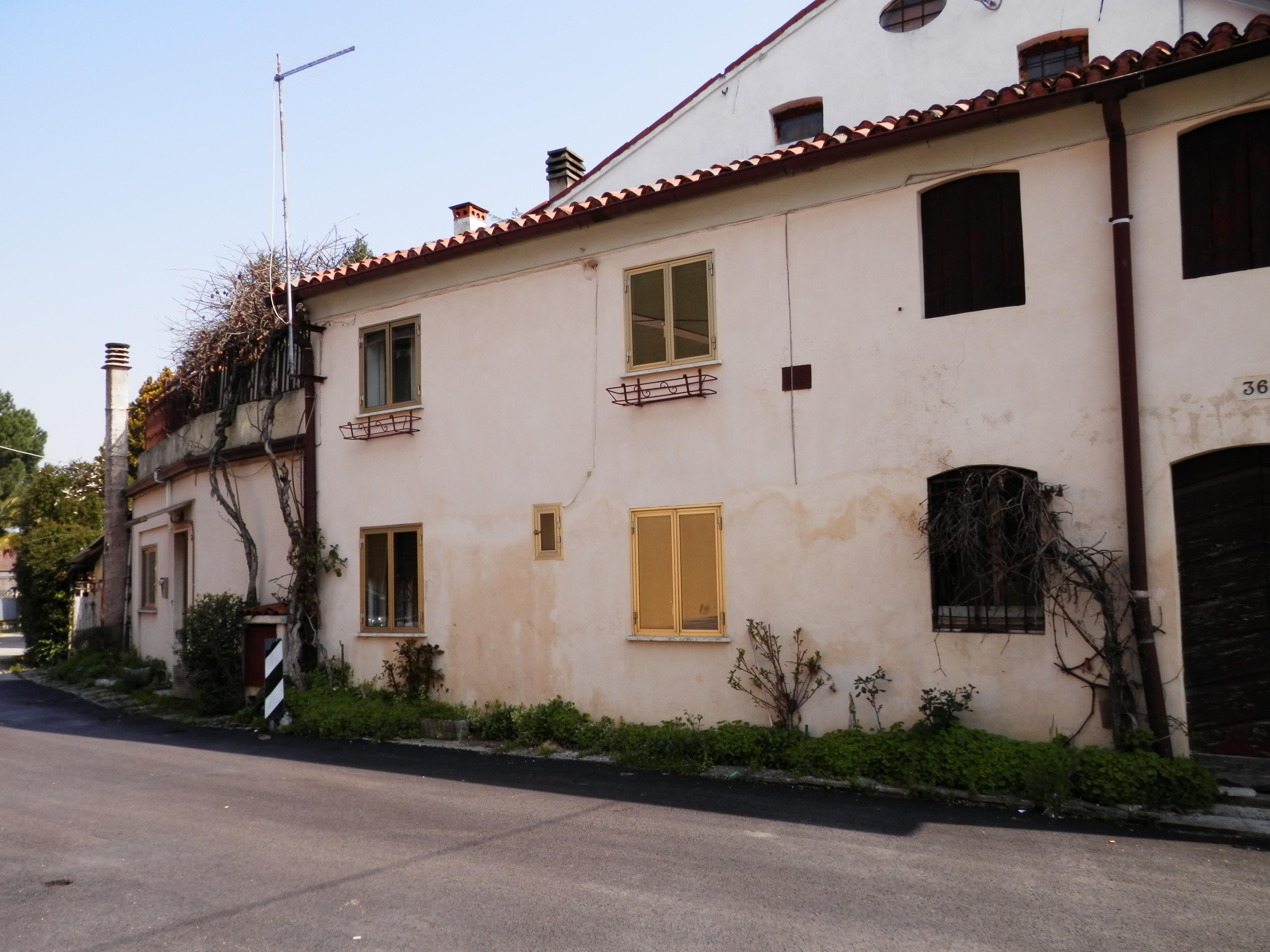 Casa affiancata da ristrutturare gesticasa - Ristrutturare casa da soli ...